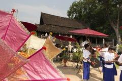 Le danseur exécutent la danse thaïlandaise traditionnelle Photos stock