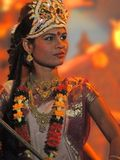 Le danseur indien exécute la danse classique Photographie stock