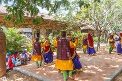 Le danze popolari di Uttarakhand con musica folk legano compreso le forme come Chancheri, ballo di ballo di Chhapeli ECR, Chennai Immagine Stock Libera da Diritti
