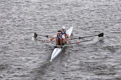 Le dauphin emballe dans la tête des doubles principaux de Charles Regatta Men [RACE PUBLIC] Photo stock