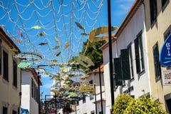 Le decorazioni della via in Camara de Lobos un paesino di pescatori vicino alla città di Funchal ed ha alcune di più alte scoglie Fotografie Stock Libere da Diritti