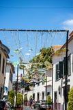 Le decorazioni della via in Camara de Lobos un paesino di pescatori vicino alla città di Funchal ed ha alcune di più alte scoglie Fotografia Stock