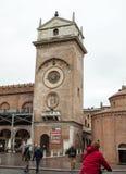 Le della Ragione de Palazzo avec le ` de tour d'horloge de ` d'Orologio de ` de vallon de Torre Mantua Photo stock