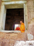 Le den buddistiska munken Royaltyfria Foton