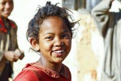 Le den fattiga afrikanska flickan, Afrika Arkivfoto