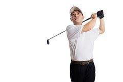 Le den svängande golfklubben för asiatisk kinesisk man Royaltyfri Foto