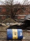Le dernier baril de pétrole dans la station abandonnée à Belgrade photo libre de droits