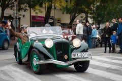 Le dernier ravitaillement - véhicules de vétéran se réunissant, Pezinok, Slovaquie Image libre de droits