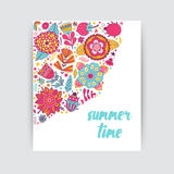 Le design de carte floral, les fleurs et la feuille gribouillent des éléments Illustration faite de fleurs et herbes Invitation d illustration stock