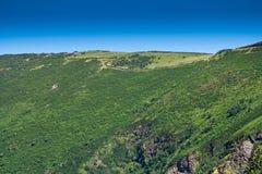 Le dessus de la colline sur la côte du nord de Devon photo stock