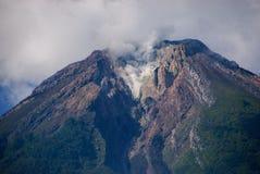 Le dessus du volcan d'Inerie, Indonésie Image libre de droits