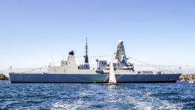 Le destroyer royal audacieux de la marine D32 de HMS amarrent dans le port de Sydney pour participer à l'examen international Syd images stock