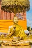 Le disciple de la statue de Bouddha images libres de droits