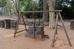 Le dispositif des constructeurs antiques pour rectifier des pierres Angkor Vat cambodia photos libres de droits
