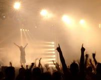 Le DJ au concert Photographie stock