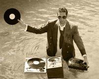 Le DJ en mer Images libres de droits