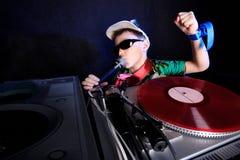 Le DJ frais dans l'action Image libre de droits