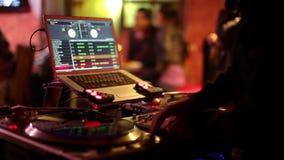 Le DJ frais dans la barre banque de vidéos