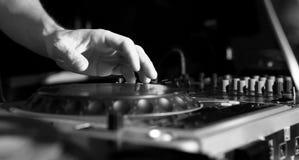 Le DJ lambrissent la musique Image stock
