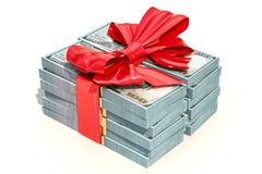 Le dollar emballe avec l'arc rouge, concept de cadeau rendu 3d Image libre de droits