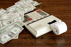 Le dollar note le cru de bureau de comptable de calculatrice Photo libre de droits