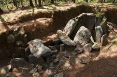 Le dolmen font la perspective de partie latérale de Rapido Esposende, Portugal Photographie stock