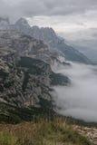 Le dolomia abbelliscono, su sopra le nuvole, sopra le rocce Immagini Stock Libere da Diritti
