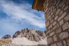 Le dolomia italiane, il Tirolo del sud e italien le alpi, il bello paesaggio della montagna in tempo di autunno Fotografia Stock