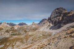 Le dolomia italiane, il Tirolo del sud e italien le alpi, il bello paesaggio della montagna in tempo di autunno Fotografia Stock Libera da Diritti