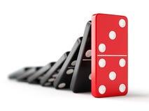 le domino de fond effectuent vers le bas le blanc rouge d'isolement en baisse de parties Photos libres de droits