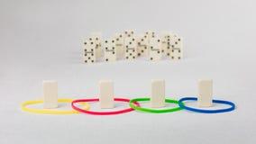 Le domino représentent l'humain avec différents traits psyhological basés sur le modèle de DISQUE Dominance, incitation, soumissi Photographie stock