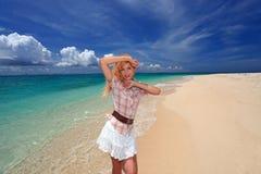 Le donne godono del sole. Immagini Stock Libere da Diritti