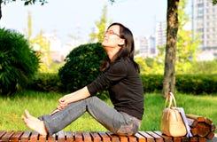 Le donne godono del sole Fotografie Stock Libere da Diritti