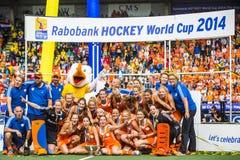 Le donne olandesi si trasformano in in hockey dei campioni del mondo Fotografia Stock