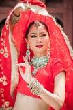 Le donne tailandesi eseguono i balli dell'India in costumi storici Fotografie Stock Libere da Diritti