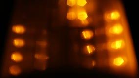 Le doux a focalisé le clignoteur ambre de rotation, signe de risque d'avertissement banque de vidéos