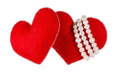 Le doux rouge a senti des coeurs d'isolement sur le fond blanc Concept de l'amour ou de la datation Image libre de droits