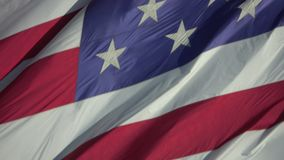 Le drapeau des Etats-Unis d'Amérique Etats-Unis soufflant dedans enroulent la fin banque de vidéos
