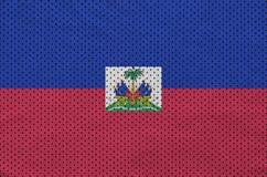 Le drapeau du Haïti a imprimé sur un tissu de maille en nylon de vêtements de sport de polyester W photos libres de droits