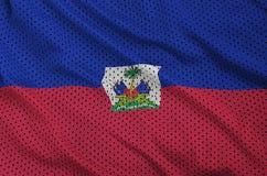 Le drapeau du Haïti a imprimé sur un tissu de maille en nylon de vêtements de sport de polyester W photos stock