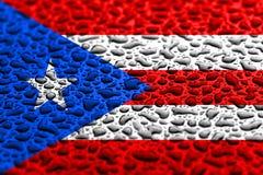 Le drapeau national de Puerto Rico a fait des baisses de l'eau Concept de pr?vision de fond photos stock