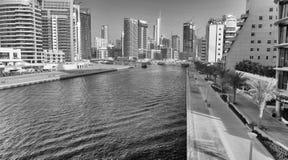 LE DUBAÏ - 5 DÉCEMBRE 2016 : Vue aérienne de gratte-ciel de marina de Dubaï Image stock