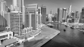 LE DUBAÏ - 5 DÉCEMBRE 2016 : Vue aérienne de gratte-ciel de marina de Dubaï Photo libre de droits