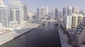 LE DUBAÏ - 5 DÉCEMBRE 2016 : Vue aérienne de gratte-ciel de marina de Dubaï Photographie stock