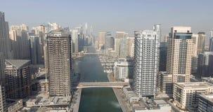 LE DUBAÏ - 5 DÉCEMBRE 2016 : Vue aérienne de gratte-ciel de marina de Dubaï Photo stock