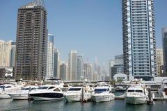 LE DUBAÏ, EAU - 22 JANVIER 2018 : Bâtiments modernes dans la marina de Dubaï, Dubaï, EAU Image stock