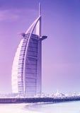 Hôtel arabe d'Al de Burj sur la plage de Jumeirah à Dubaï Photo stock