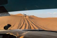LE DUBAÏ, EAU 20 JANVIER : Safari de jeep, 20, 2014 à Dubaï, les EAU jeep Image libre de droits