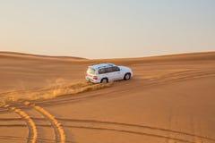 LE DUBAÏ, EAU 20 JANVIER : Safari de jeep, 20, 2014 à Dubaï, les EAU jeep Photo libre de droits