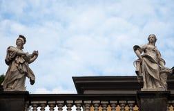 Le due statue fotografia stock libera da diritti